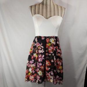 BONGO White Top w/Floral Skirt Strapless Dress Med